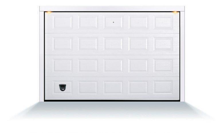 porta sezionale cassettata a effetto goffrata legno, modello trento